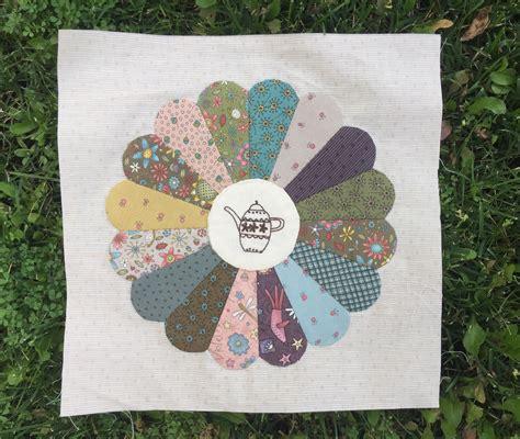 Patchwork Gardens - quilt gossip in the garden en patchwork la vida en