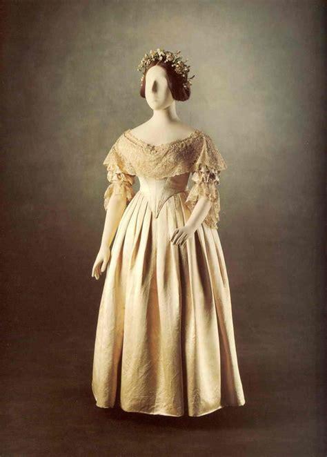 wedding dress trendsetter
