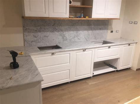 marmo cucina cucina rovere marmo di carrara cucina su misura legnoeoltre