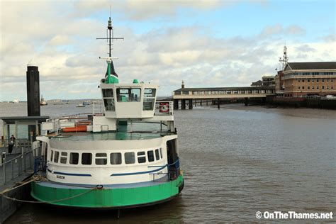 thames river ferry hton court a former gosport ferry portsmouth queen has arrived on