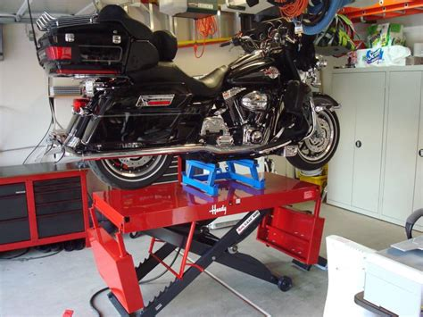 handy motorcycle lift table handy s a m 2 lift table is finally here harley