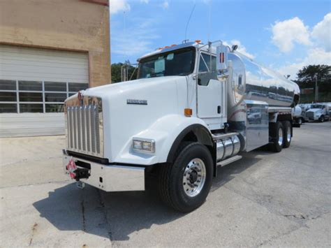 kenworth fuel truck for sale kenworth fuel trucks lube trucks for sale 526 used