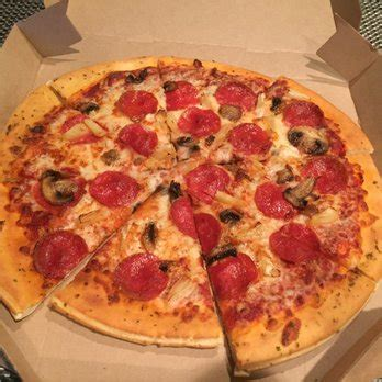 medium hand tossed pepperoni yelp pizza hut 35 photos 100 reviews pizza 14431 culver