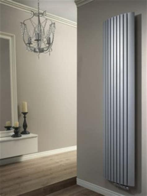 flachheizkörper vertikal r 214 hrenheizk 214 rper wohnzimmer heizk 246 rper senia design
