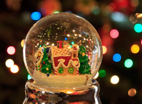 christmas snow globe can you see the flakes fall down