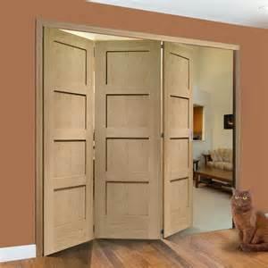 4 Panel Shaker Interior Door Freefold Oak Shaker 4 Panel Style Folding 3 Door Set
