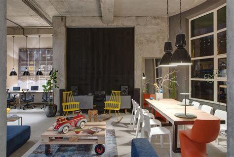 Industrial Modern House by A Modern Office Space That Looks Like An Urban Loft