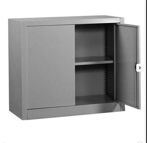 ripiano per armadio ripiano armadi battenti scorrevoli armadio metallico