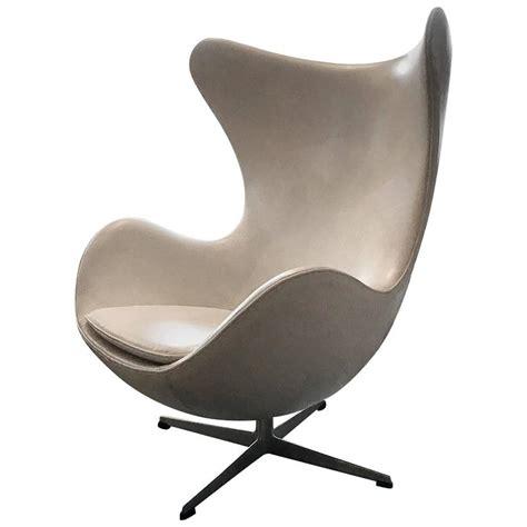 leather egg chair vintage arne jacobsen fritz hansen white leather egg chair