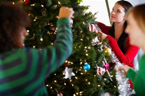 setting upchristms tree when should you put your tree up wales