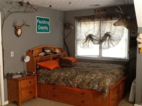 hunting bedroom ideas my sons redneck hunting bedroom with camo curtains