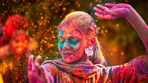 10 reasons to celebrate holi festival travel to india