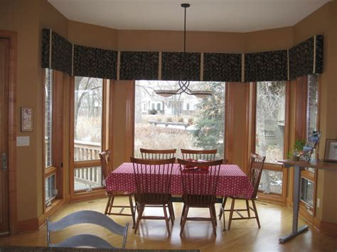 Window Treatments For Bay Windows In Dining Room | dining room bay window treatments traditional dining