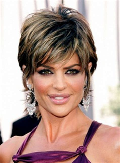 over 60 shaggy hairstlyes short haircuts women over 60