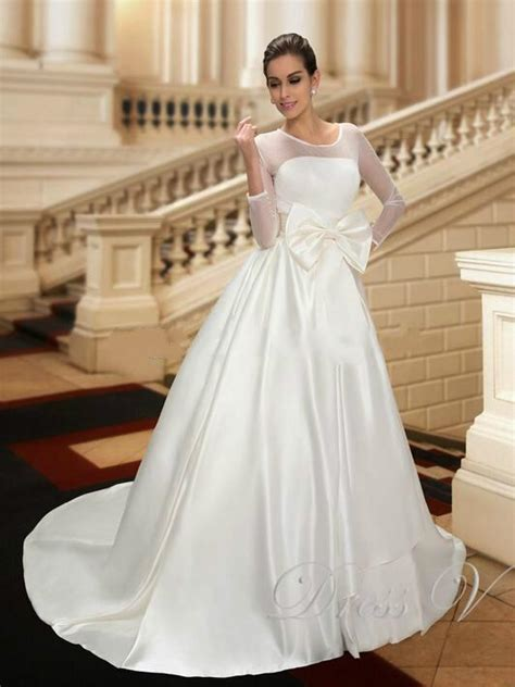 designer wedding dresses with 3 4 long sleeve bow