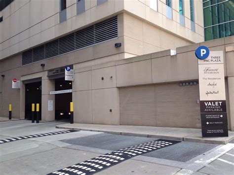 Pittsburgh Parking Garage by Three Pnc Plaza Garage Parking In Pittsburgh Parkme