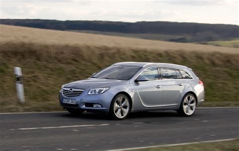Opel Insignia Review by Opel Insignia Sports Tourer 2012 Review