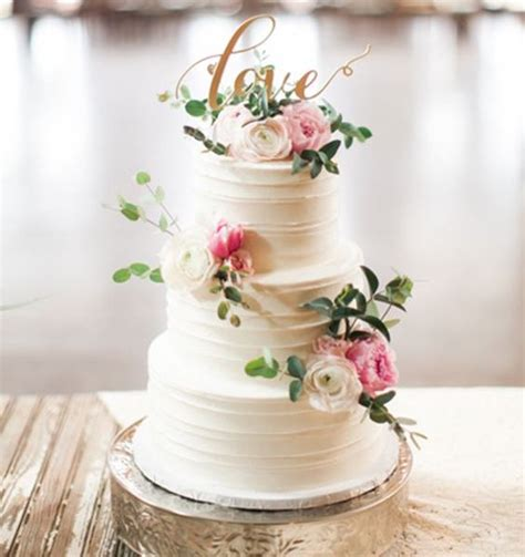 torta con fiori freschi torta nuziale a pi 249 piani con fiori freschi sposalicious