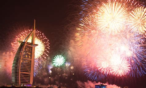 when does the new year for new year 2016 in dubai