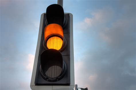traffic lights to be turned on at grovehill just beverley