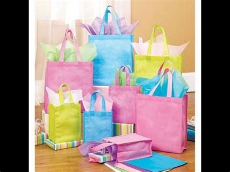 what to put in a gift bag how to put together a gift bag