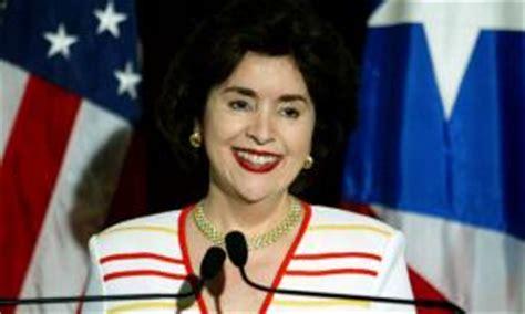 sila maria calderon primera gobernadora de puerto rico sila calder 243 n recibe medalla luis mu 241 oz mar 237 n peri 243 dico