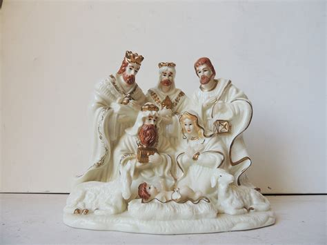 porcelain nativity figurine gold trim 6 3 x 5 9 x 3 1 inch