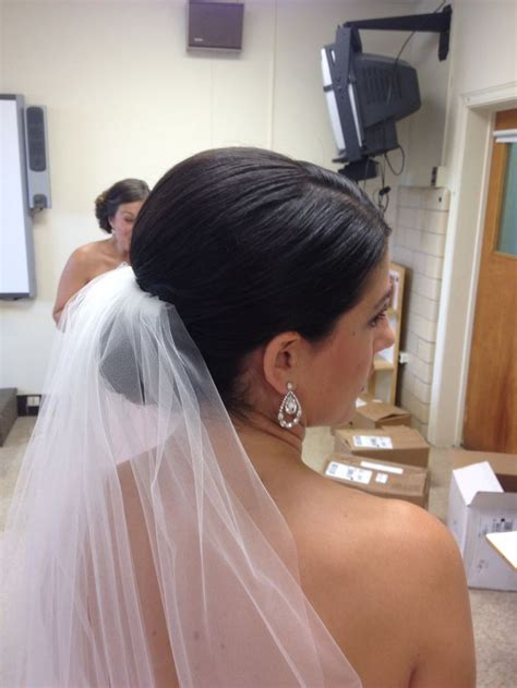 Bridal Bun Hairstyles With Veil by Best 25 Wedding Low Buns Ideas On Prom Hair