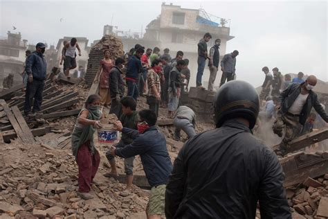 earthquake nepal nepal earthquake hundreds dead as 7 8 magnitude quake