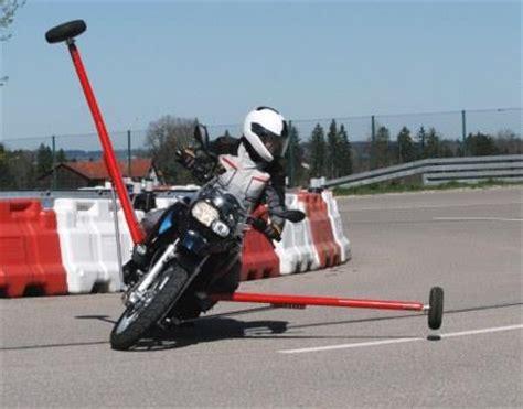 Adac Motorrad Kurventraining by Motorrad Kurven Und Schr 228 Glagen Training