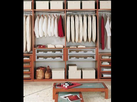 mobili guardaroba guardaroba modulare per negozi di vestiti idfdesign