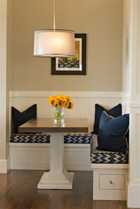 banquette table pourquoi choisir une table avec banquette pour la cuisine