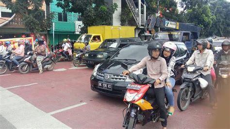 Alarm Sepeda Motor Di Medan ruang henti khusus sepeda motor tapi yang berhenti malah