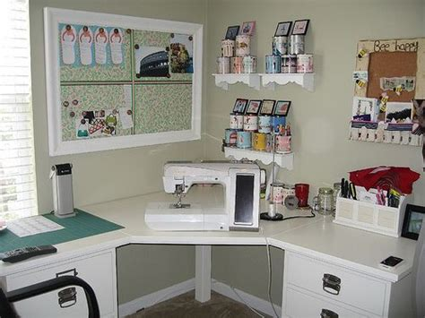 Corner Sewing Desk by 17 Best Ideas About Small Craft Rooms On Craft