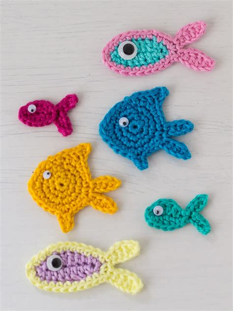 free patterns applique crochet three little fish crochet appliques a free pattern