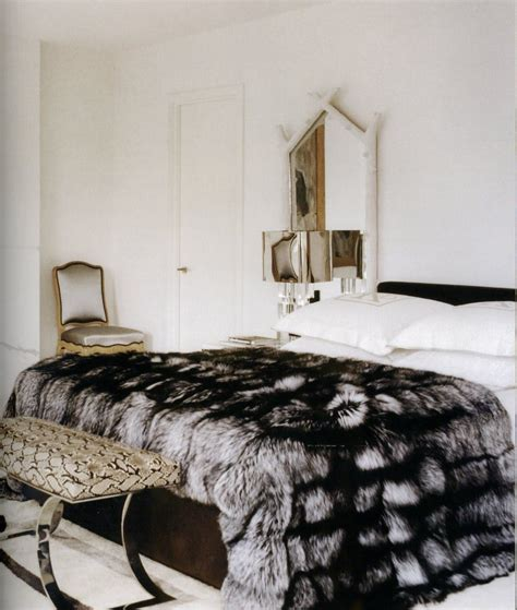 faux fur bed throw thedecorista some just have a way with fur yeee aaay so