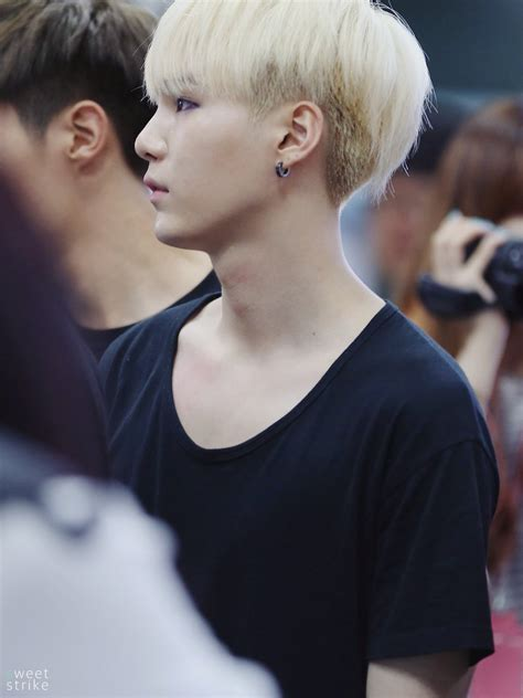 Tshirt Yehet Black karolina on quot yoongi and black t shirt is