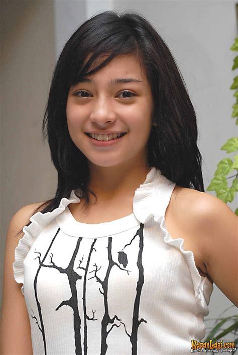 Hoodie Perempuan Kekinian Wanita Tercantik Lahir Juni artistercantik diindonesia inspirasi dan info artistercantik diindonesia