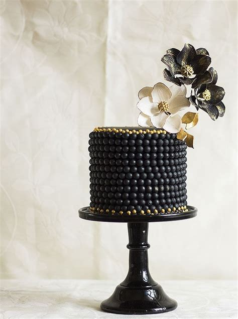 Cak New Black 25 best images about black silver gold cake on