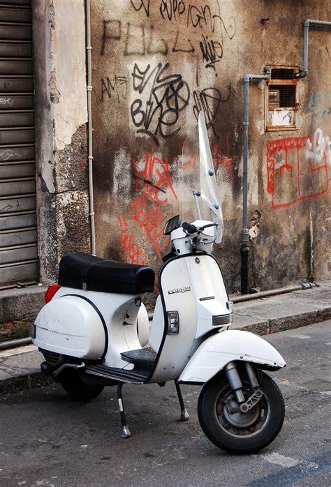 sepeda vespa 286 best 2 wheels images on vespas mopeds and