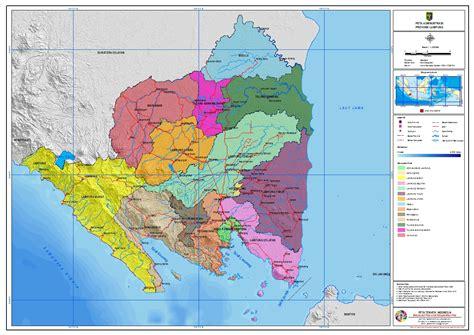 pengertian layout dalam sig atlas politik administrasi indonesia peta tematik