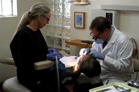 Dental Assistant Working by Wo Cialis Kaufen Usda Loans Dfw Usda Loans Dallas Usda Loans Fort Worth