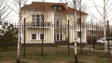 Yanukovych Criminal Record 25 Tales Of Corruption From Documents Found At The Abandoned Palace Of Ukraine S