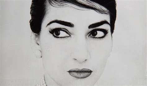 maria callas eyeliner omaggio a maria callas divina bellezza vanityfair it