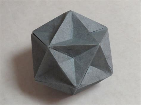 Origami Shapes - great dodecahedron in origami zing