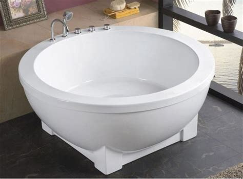 Big Jetted Bathtub Trends Small Bathtubs With Pics And Hubpages