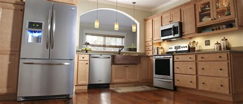 Kitchen Remodel And Flooring Projects At Lowe S Lowes Kitchen Design Services