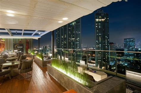 sky on 20 at novotel bangkok sukhumvit 20 rooftop bar in