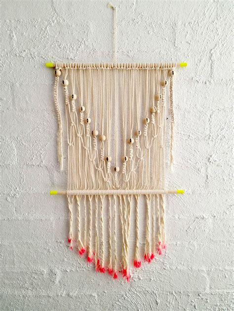 How To Make Handmade Wall Hangings - 8 simple diy wall hangings handmade
