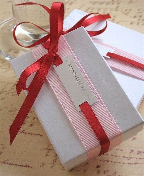 gift packing ideas 17 best ideas about elegant gift wrapping on pinterest